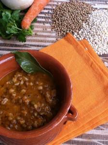 Zuppa farro orzo e legumi