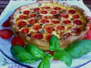 Torta salata pomodorini acciughe e capperi